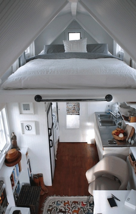 15 Quirky Tiny House Decorations